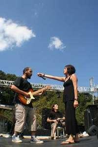 Yolgezer Barışa Rock Festivalinde