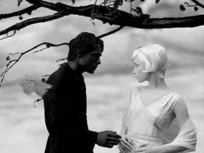 http://www.theinspirationroom.com/daily/musicvideos/2007/7/mcr-statues.jpg