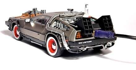 DeLorean - Zaman Makinası