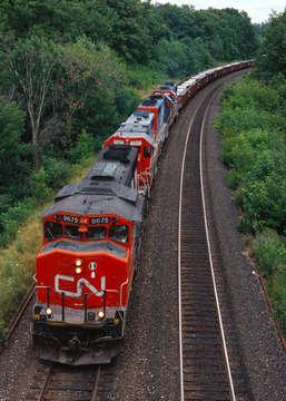 Tren, alternatif ve meşakkatli bir yolculuktur.