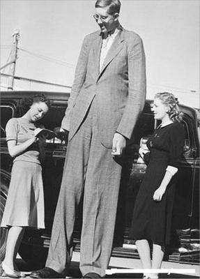 Robert Pershing Wadlow (22 Şubat, 1918 - 15 Temmuz, 1940) Tıp Tarihinde Bilinen En Uzun Boylu Adam