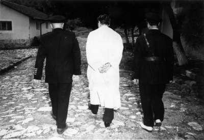 Başbakan Adnan Menderes idam sehpasına giderken...